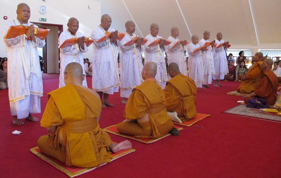 BB 007 ordinasjon av munker i Wat Thai i Sørum